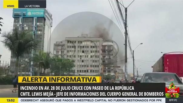 Mejía comentó que se reportó que hay personas en el edificio.