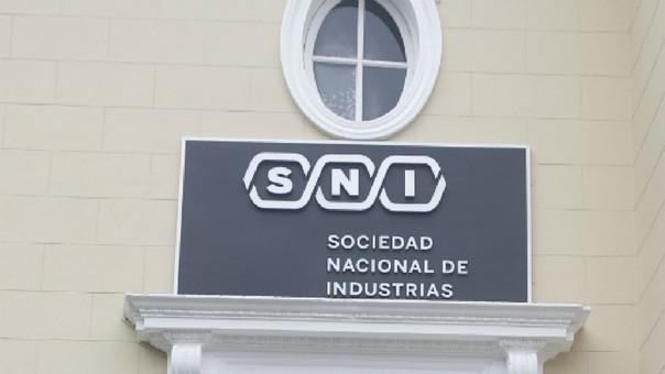 Empresarios industriales piden prudencia y respeto al Estado de Derecho.