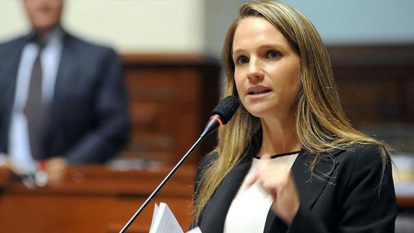 Luciana León