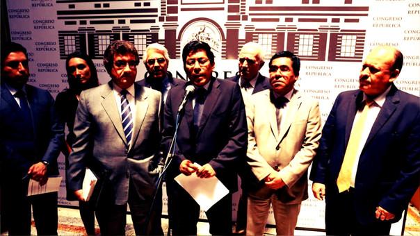 El partido de Gobierno pierde miembros luego de la decisión de PPK de indultar a Alberto Fujimori.