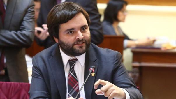 Alberto de Belaúnde oficializó su renuncia a Peruanos Por el Kambio