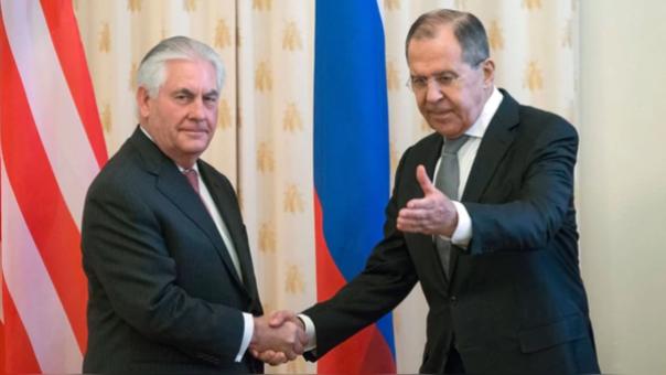 El Secretario de Estado de los Estados Unidos, Rex Tillerson y el canciller ruso Seguéi Lavrov.