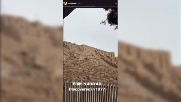 En sus historias de Instagram, Shannen Doherty compartió momentos vividos en nuestra capital. Como éste, en el que admira la Huaca Pucllana de Miraflores