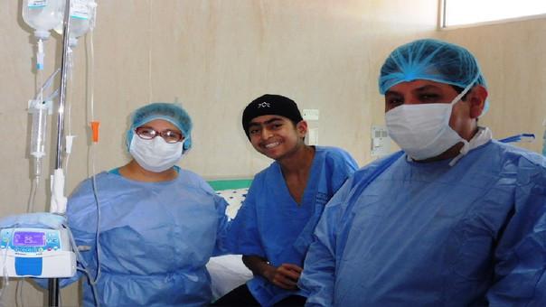 Exitosa operación de médula ósea a adolescente