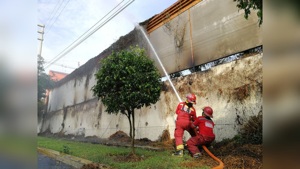 Los bomberos controlaron el incendio.