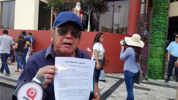 Entre lágrimas Carlos Corcuera,  pidió justicia para su hija  Llana  Corcuera Ríos.