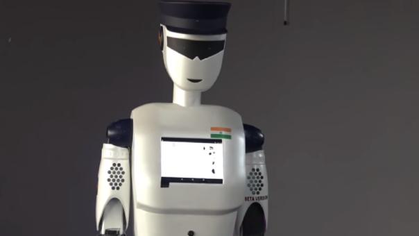 El primer robot-policía conquista al mundo por sus destrezas