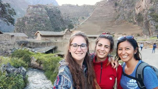 Padres de turista desaparecida continúan en la búsqueda — Cusco