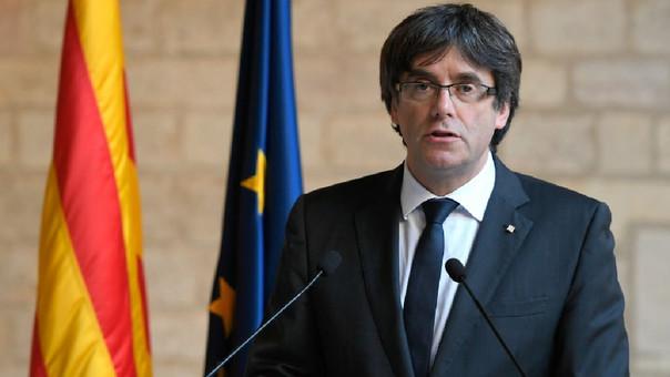 Carles Puigdemont fue destituido de la presidencia de Cataluña por el Gobierno español luego de la declaración de la independencia de su región