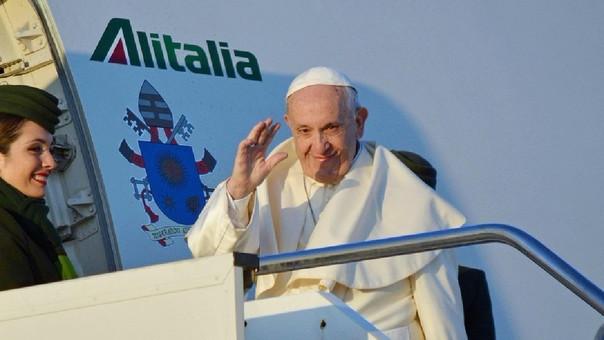 El Papa Francisco inició su viaje de Roma a Chile y este viernes vendrá hacia nuestro país donde se quedará hasta el domingo.