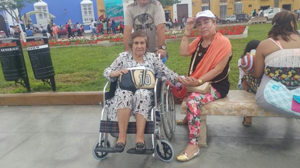 Fieles en Trujillo