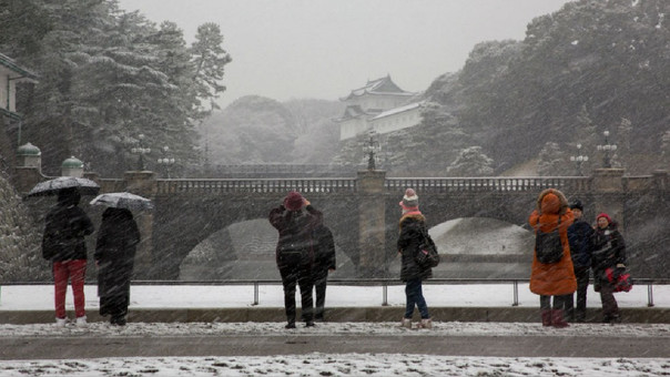 Nevadas en Japón dejan un muerto y 360 heridos