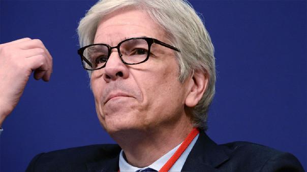 Economista jefe del Banco Mundial, Paul Romer, renuncia tras polémica sobre informe de competitividad de Chile.