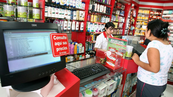 Incluso la baja de los precios podría afectar a boticas independientes, alerta gremio de farmacéuticos.
