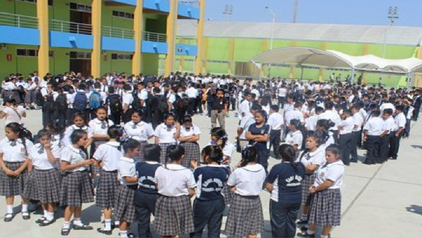 Escolares protegidos de radiación solar