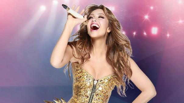 Thalía bailó como 'Marimar' y su vestido le jugó una mala pasada