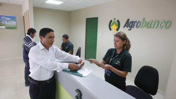La titular del MEF adelantó que sí prevén una reestructuración del banco agrario en los próximo meses.
