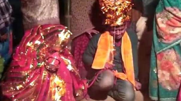 Hombres solteros en la India son secuestrados y obligados a casarse