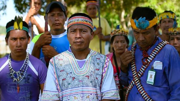 Apu James Rodríguez y nativos de las cinco cuencas loretanas.