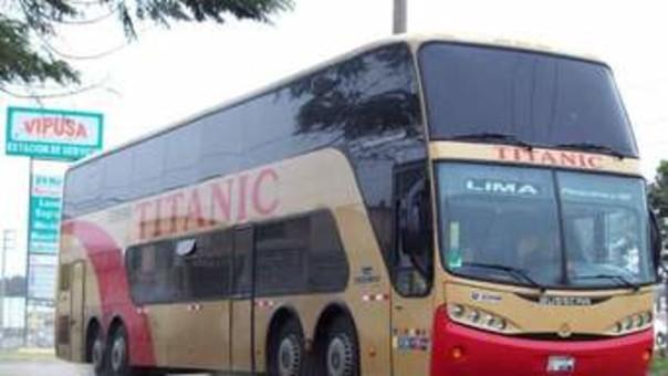 Bus de la empresa Titanic