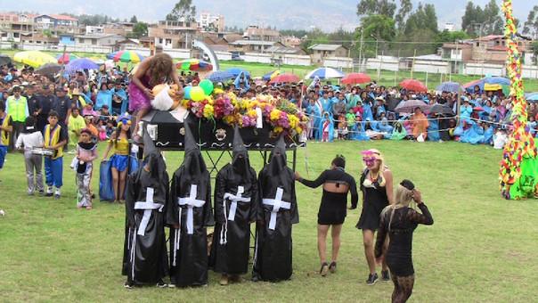 Incineración de los restos del Carnaval cajamarquino