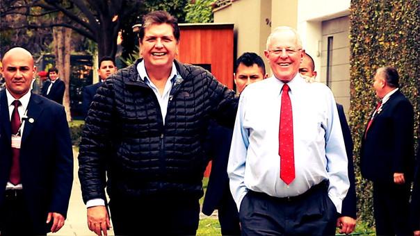 Alan García durante un encuentro con el actual presidente Pedro Pablo Kuczynski.