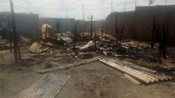 Producto del incendio, siete familias quedaron damnificadas.