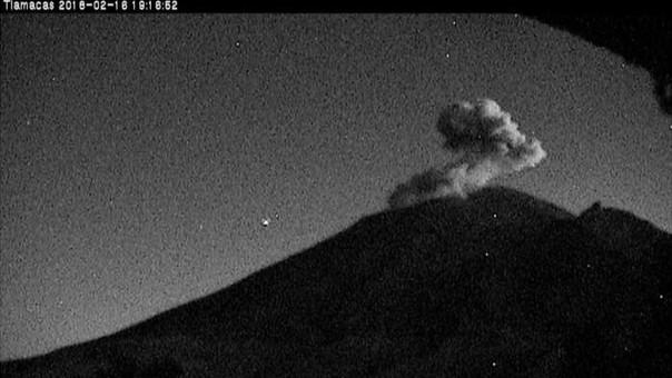 Exhala Popocatépetl dos veces tras sismo