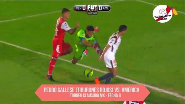 Este es el momento exacto en que Pedro Gallese se lesionó tras chocar con uno de sus compañeros.