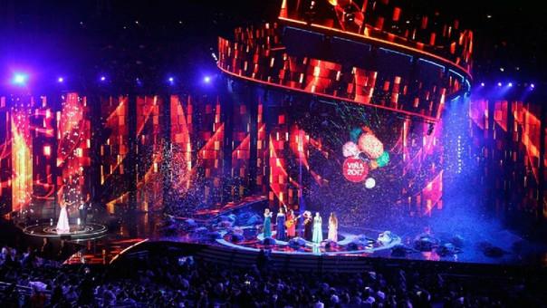 Polémica propuesta matrimonial mientras Fonsi canta en Viña