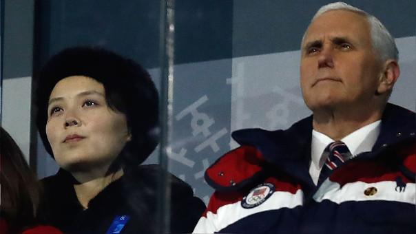 Mike Pence junto a Kim Yo Jong, la hermana de Kim Jong-un en la inauguración de los Juegos Olímpicos de PyeongChang. Pese a su cercanía en la ceramonia, no se hablaron.