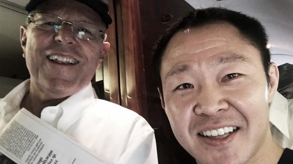 Kenji Fujimori anunció en Twitter que viajaba con el presidente.