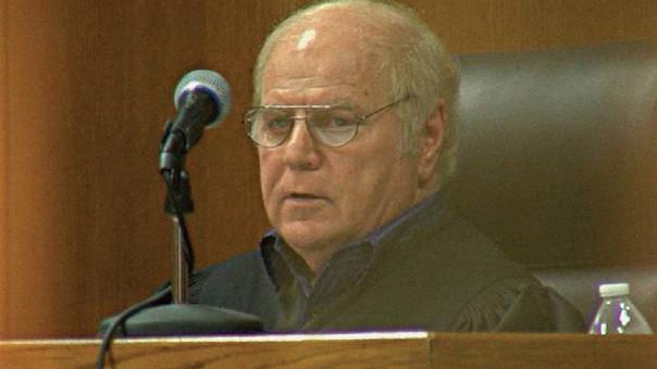 El juez chantajeó por más de siete años a los jóvenes que absolvía de juicio.