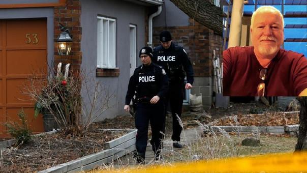 La Policía en una de las casas donde trabajó el detenido.