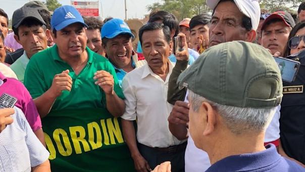 De manera fortuita, los manifestantes dialogaron con el Presidente del Poder Judicial, Duberlí Rodríguez