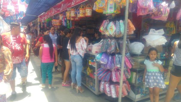 Feria escolar en El Porvenir