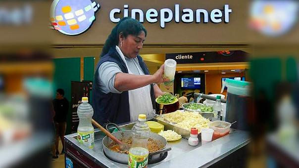 Las cadenas de cine ya no podrán poner carteles prohibiendo el ingreso de alimentos ajenos al establecimiento.
