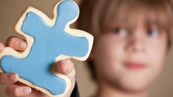 A diferencia del autismo, el Asperger se caracteriza por un alto nivel intelectual y una memoria brillante.