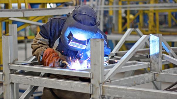 La industria peruana avanzaría por el impulso de la pesca industrial, metales primarios y la producción de bienes de consumo e intermedios.