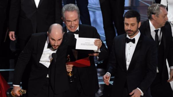 Actores que cometieron error en los Oscar volverán a entregar galardón