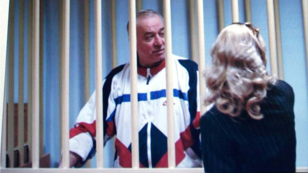 Envenenan a exespía ruso en Reino Unido