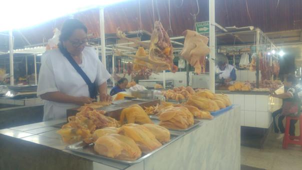 El precio del pollo aumentó a 10 soles.