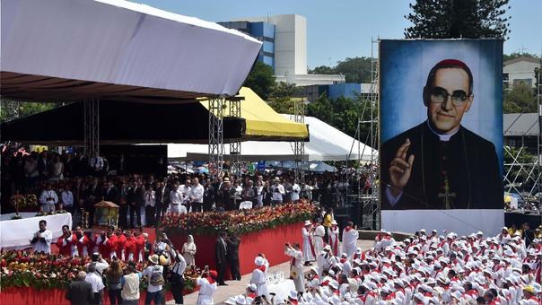 Misa en la que celebró la beatificación de Óscar Romero, en mayo del 2015. Casi tres años después, el papa Francisco ordenó su canonización.