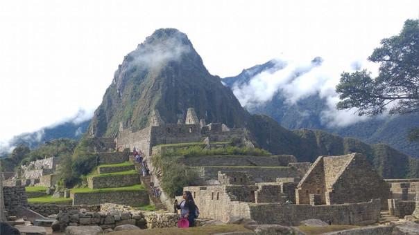 Expulsan a tres turistas europeos de Machu Picchu por nudistas