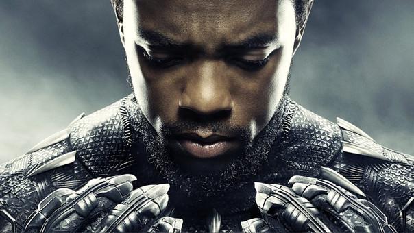 Chadwick Boseman protagoniza Black Panther, la primera historia de Disney y Marvel que tiene de protagonista a un superhéroe afroamericano.