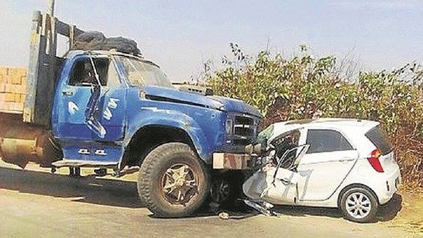 El chofer abandonó al policía y a sus familiares heridos tras el choque.