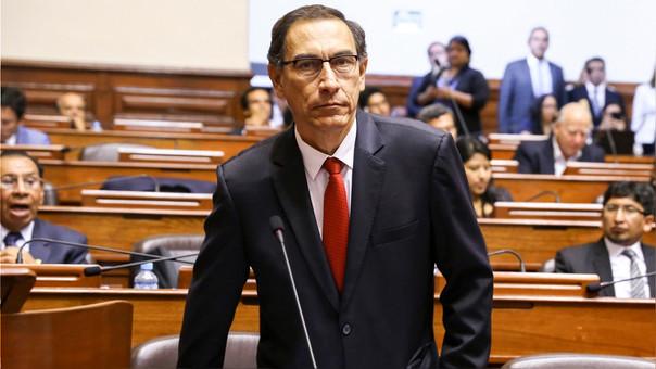 Martín Vizcarra se juramenta como presidente de Perú