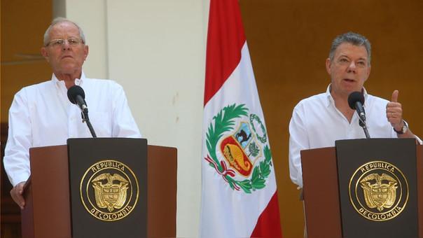 Kuczynski junto al presidente de Colombia, Juan Manuel Santos, durante el Gabinete Binacional de febrero.