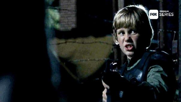 Henry desaparece en este capítulo luego de amenazar con un arma a los salvadores que Maggie mantenía tras las rejas.