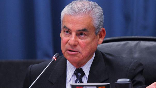César Villanueva es congresista por la región San Martín, de la cual fue presidente regional en dos periodos consecutivos.